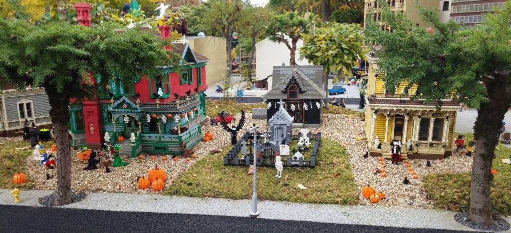 2016 Legolandin Halloween12