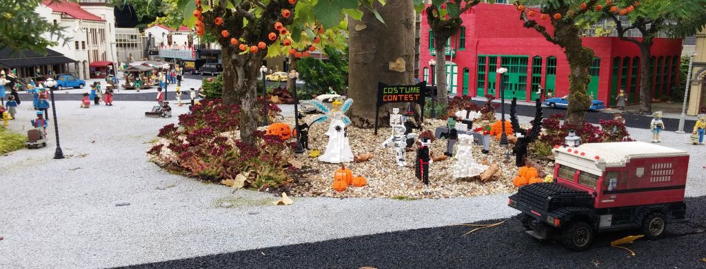 2016 Legolandin Halloween13