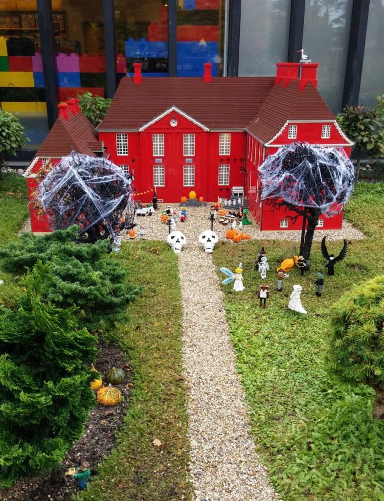 2016 Legolandin Halloween18