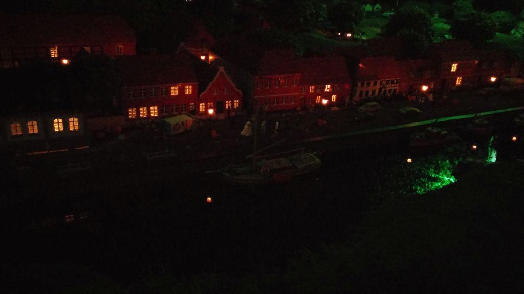 Legoland by night17
