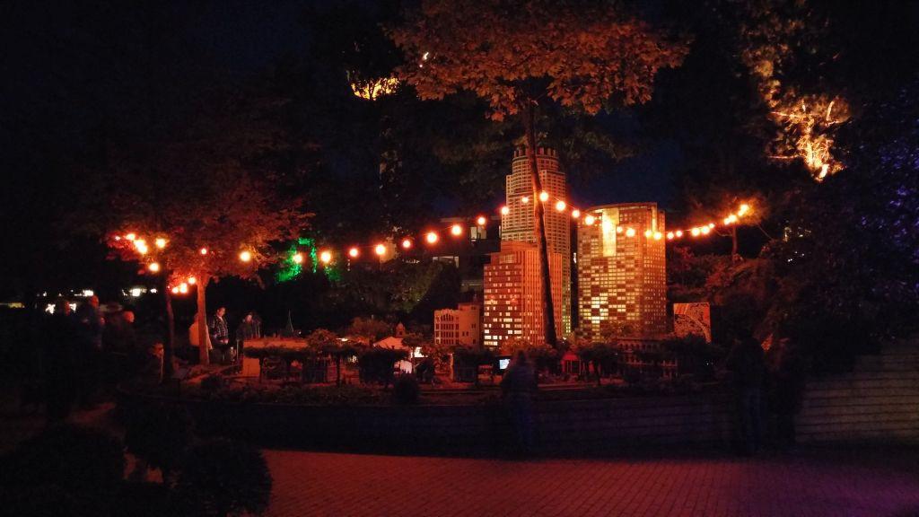 Legoland by night25