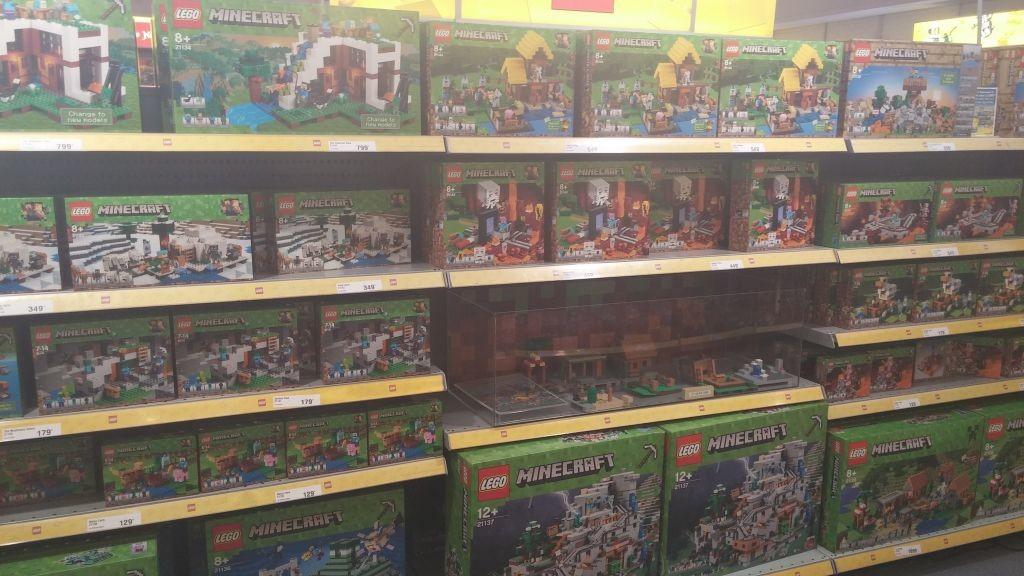 Lego Shop09