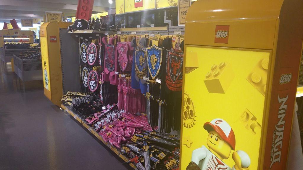 Lego Shop11