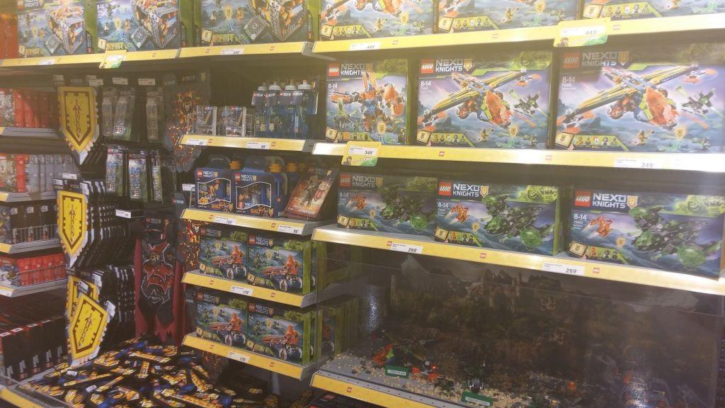 Lego Shop15